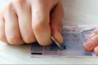 Suma uriașă câștigată de un tânăr cu un bilet de loterie uitat în buzunar: