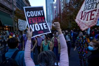 Un judecător federal respinge cererea echipei lui Trump de oprire a numărării voturilor la Philadelphia