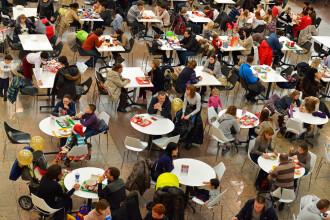 Studiu: Restaurantele, cafenelele și sălile de sport, principalele surse de infectare cu coronavirus