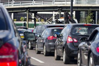 O nouă taxă de poluare pentru mașini ar putea fi anunțată anul acesta