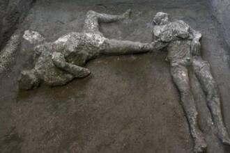 Rămăşiţele bine conservate a doi bărbaţi, un nobil şi un sclav, descoperite în ruinele oraşului Pompei