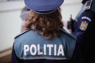 O femeie din Suceava a distrus cu pietre mașina unei polițiste. De ce s-a răzbunat pe agentă