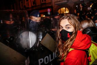 Ciocniri între poliţie şi manifestanţii împotriva limitării dreptului la avort, în Polonia