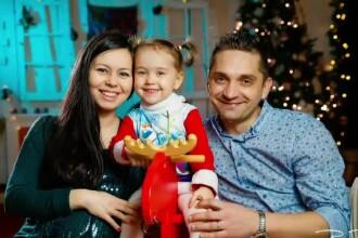 Cu ce au fost înlocuite felicitările de Crăciun. Tot mai multe cupluri apelează la această variantă