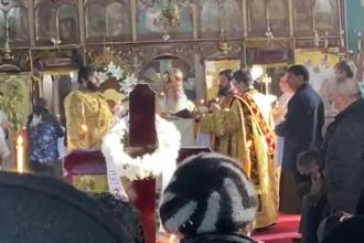 În plin scandal pe tema pelerinajului de Sf. Andrei, ÎPS Tudosie a fost surprins la o slujbă fără mască