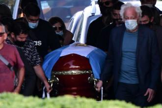 Maradona, dus pe ultimul drum. Fostul fotbalist a fost înmormântat cu o ceremonie restrânsă