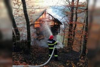 Incendiu la o locuință din Prahova. Nimeni nu știe de la ce a pornit vâlvătaia