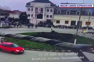 Zeci de persoane au participat la înmormântarea mamei unui lider al comunităţii de romi din Lugoj