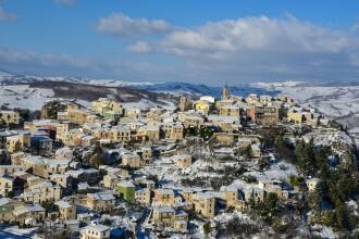 O nouă localitate din Italia scoate la vânzare case la 1 €. Ce reguli trebuie să respecte cumpărătorii