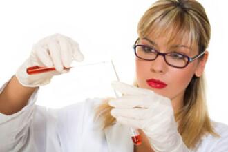Fetitele de clasa a IV-a, vaccinate impotriva cancerului de col uterin