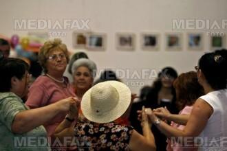 300 de pensionari au petrecut la Targu Mures de ziua lor!