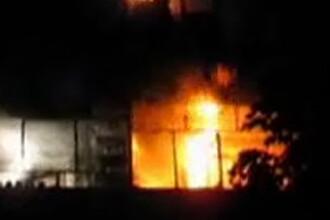 Incendiu devastator intr-o comuna din Buzau