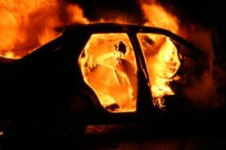 Incendiu violent in fata unui bloc din Calea Rahovei