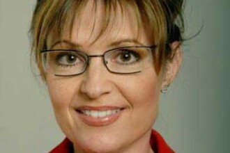 Desi a fost comparata cu un porc, Sarah Palin ii inspira pe artisti