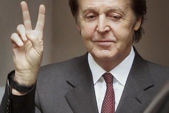 Sir Paul McCartney face revolta impotriva fast food-ului!