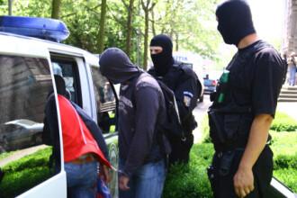 Traficanti de droguri, membri ai clanurilor Geamanu si Boja, arestati