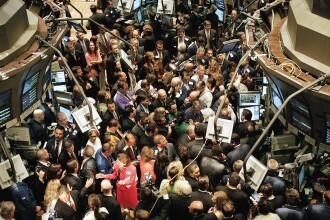 Criza se adanceste! Bursele din toata lumea se duc la vale