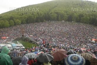Aproximativ 60.000 de romani isi serbeaza onomastica de Sfanta Parascheva
