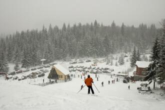 Capitala distractiei s-a mutat pe Valea Prahovei! Mii de turisti pe partii
