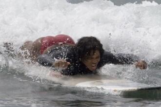 Serena Williams, cat crezi ca mai rezista placa de surf cu tine?