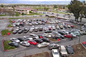 Scandal pe pretul triplat al locurilor de parcare! Autoritatile dau inapoi