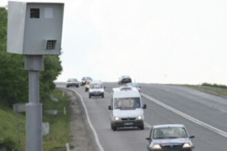 Accident spectaculos surprins de camerele de supraveghere. Un sat a ramas fara curent electric