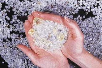 Poftiti la diamante: 5.000 de pietre pretioase, gratis!