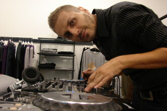VJ Oana si DJ Greeg fac echipa la MTV Dance Floor Chart!