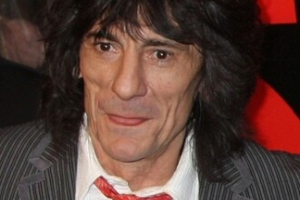 Chitaristul Rolling Stones vrea statuie!