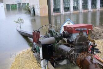 Inundatii la Sibiu, dupa ce o conducta de apa s-a spart!