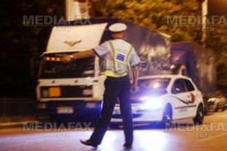 A incercat sa fuga de controlul politistilor, dar s-a oprit intr-un gard. Ce ascundea o tanara soferita de 23 de ani
