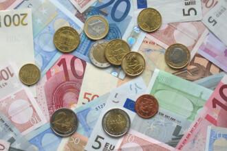 Leul stagneaza usor peste 4,3 lei/euro