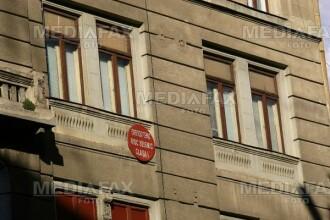 Un barbat din Arad a ajuns la spital dupa ce a cazut de la zece metri inaltime