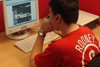Romanii, fata in fata cu internetul: Google, e-mailuri si stiri