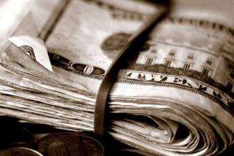 Dolarul a atins maximul utimelor 5 saptamani fata de euro