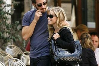 Reese Witherspoon, la cumparaturi de jucarii sexuale!