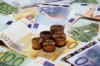 Cursul a inchis sedinta de marti usor peste 4,2050 lei/euro