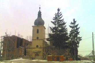 Demolare oprita la Biserica de Piatra din Ungheni!