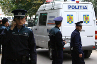 Mama bebelusului aruncat in fata unui bloc, anchetata de politisti