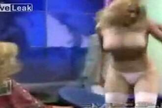 Cum sa dezbraci o super blonda, in direct la TV! Vezi VIDEO!