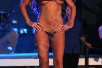 Sexy si provocatoare! Cele mai frumoase femei de pe plaja din Miami!