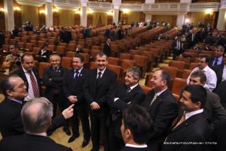 Nimic surprinzator: cele doua motiuni din Parlament au cazut