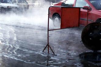 Furtuna a maturat mai multe orase din Romania, iar o viitura a blocat DN1