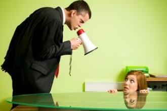 Seful tipa la 40% dintre angajatii din Romania. Pe tine te hartuieste?