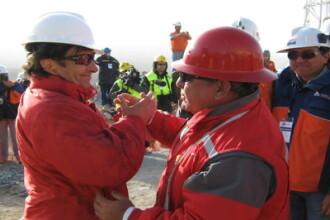 Un utilaj special a ajuns la cei 33 de mineri din Chile, prinsi in subteran