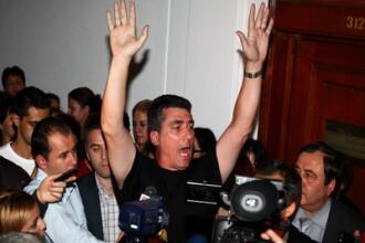 Revista presei: Cine a aparat democratia la Finante