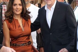 Cel mai penibil moment din istoria modei! Afla ce a patit Salma Hayek la show-ul Balenciaga!