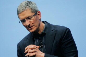 Directorul general al companiei Apple, Tim Cook: