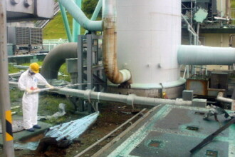 Apa de la Fukushima va fi deversata in mare. Zilnic, 400 de tone de apa sunt contaminate radioactiv