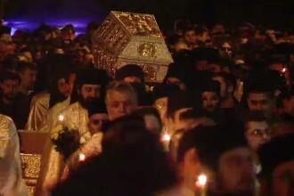 Pana in ajunul praznicului cel mare, peste 70.000 de oameni au atins moastele Cuvioasei Parascheva